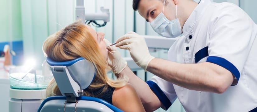 Пломбирование зубов: виды и особенности